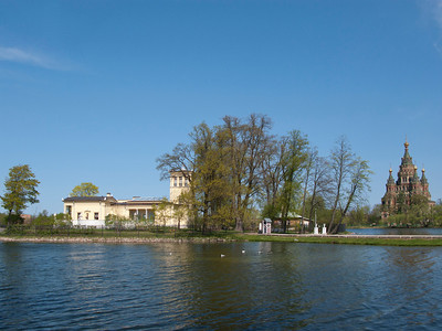 Colonist Park. Olgin pond. Tsarinin pavilion. View to Peter and Pavel Cathedral.