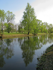 Meadow (Lugovoi) park. Old-Petergof (Samson) canal.