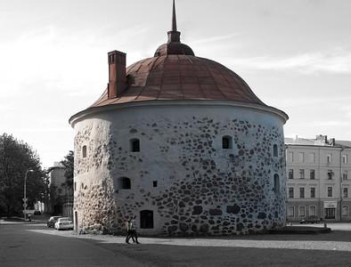 Circular tower 1550.