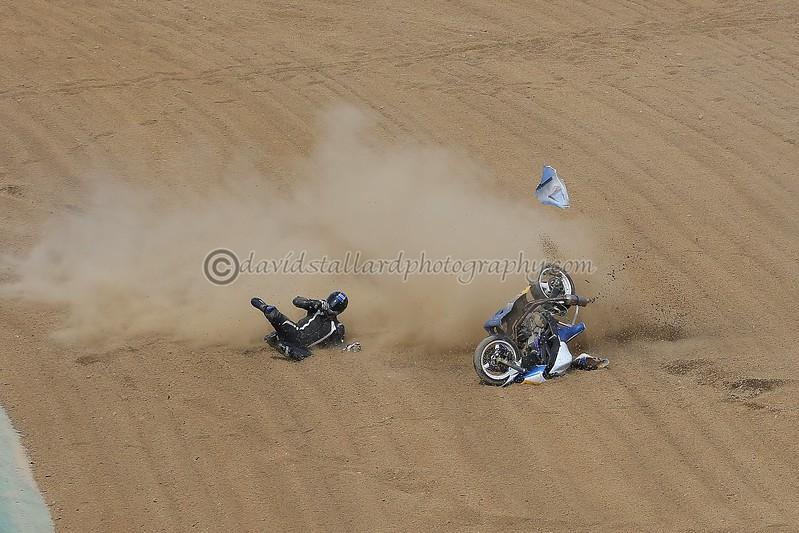 IMAGE: https://photos.smugmug.com/Petrol-Head/Motorcycles/BMCRC-Brands-Hatch-11-03-17/i-7PRq6QV/0/L/BH%2011-03-17%20%200244-L.jpg