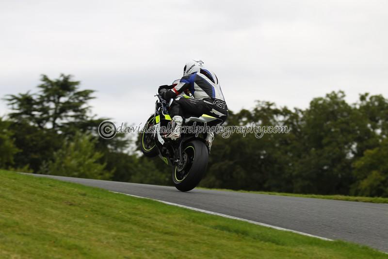 IMAGE: http://www.davidstallardphotography.com/Petrol-Head/Motorcycles/No-Limits-Cadwell-16-08-14/i-g8QZWtq/0/L/No%20Limits%20Cadwell%2016-08-14%20%200158-L.jpg