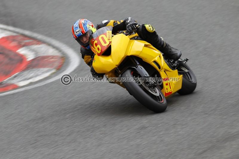 IMAGE: http://www.davidstallardphotography.com/Petrol-Head/Motorcycles/No-Limits-Cadwell-16-08-14/i-kpdJDC8/0/L/No%20Limits%20Cadwell%2016-08-14%20%200154-L.jpg