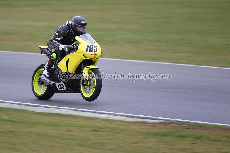 IMAGE: http://www.davidstallardphotography.com/Petrol-Head/Motorcycles/No-Limits-Snetterton-21-03-15/i-4dvqLq7/0/L/No%20Limits%20Snetterton%2021-03-15%20%20392-L.jpg
