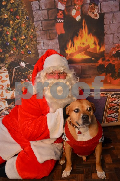 Chained Inc. Pets with Santa 12/10/17