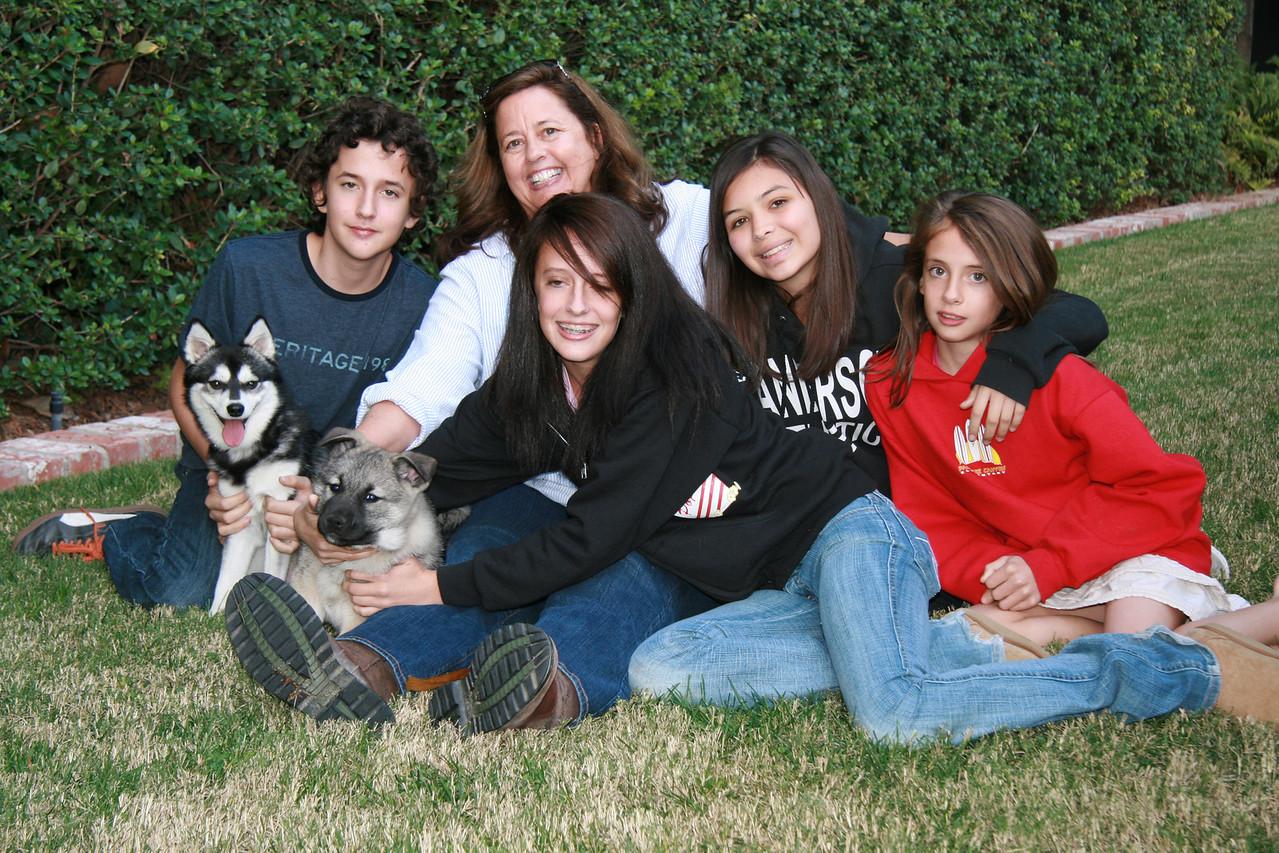 Oslo, Jon, Bear, Tracie, Erika, Ana, & Victoria on Bear's first day with the family, Dec 22, 2007.
