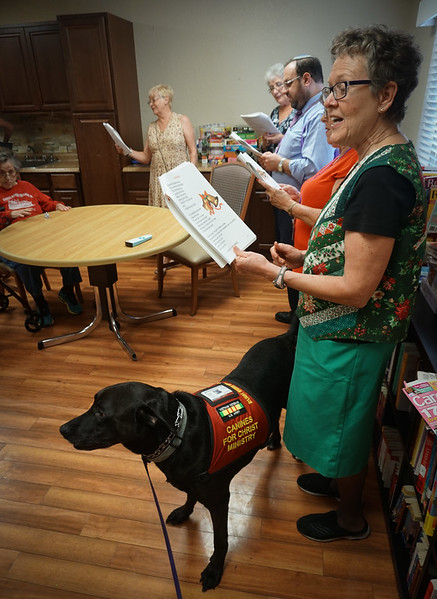 Christmas Caroling at Heather Hill Assisted Living with Gulfside Hospice & DrLight,  05556, 12 20 2016,