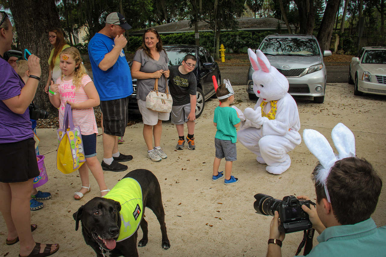 DrLight & his Gulfside Hospice Friends, Easter Egg Hunt, IMG_5108
