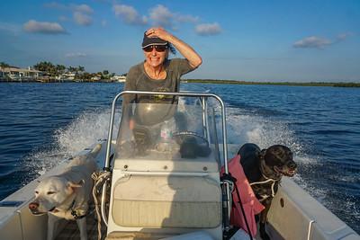 DrLight, Shana & Judi, Gulf Habors Boat Ride,   6 2018,      DSC04018