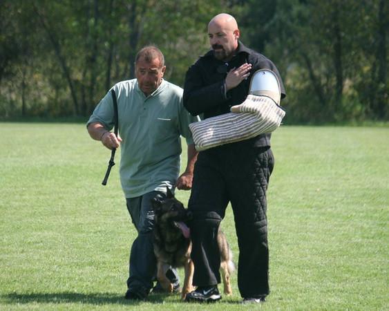 Kway son Jett vom Triton with handler Mike Scheiber (RIP)