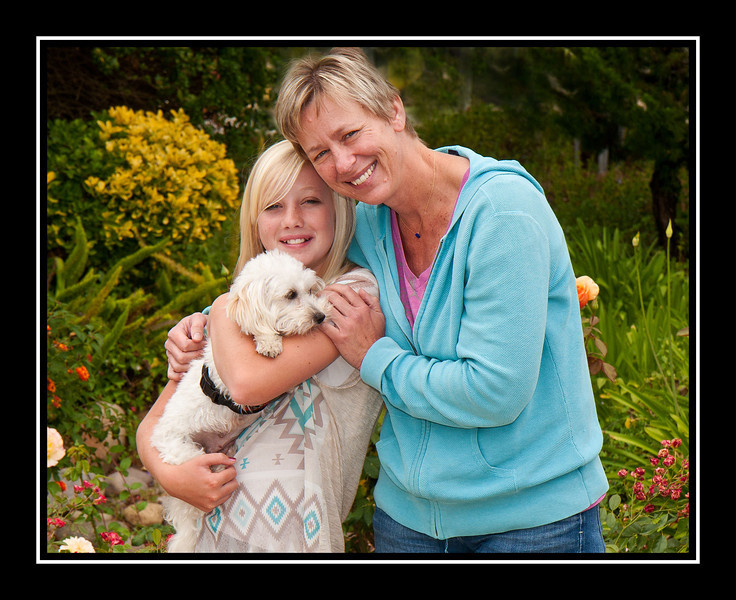 Leyla, mother of Malchi puppies and her new family...