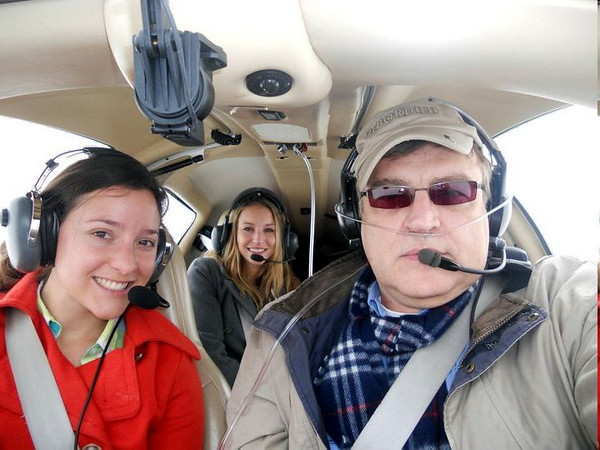 Pilot an crew at 12,000 ft. The DIrya and Lucy did not need O2. They had over 90% O2 levels. Not so with the pilot. :(