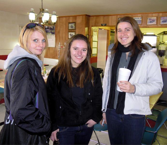 Brianna, Kristen, Emily after lunch.