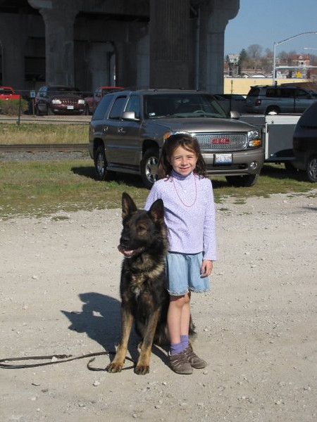Aly meets Boy at the GSD Nationals in Davenport :o)