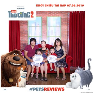 PETS-Reviews-Dang-cap-Thu-cung-Phan-2-instant-print-photo-booth-in-hinh-lay-lien-Su-kien-ra-mat-phim-CGV-VivoCity-WefieBox-Photobooth-Vietnam-759