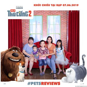 PETS-Reviews-Dang-cap-Thu-cung-Phan-2-instant-print-photo-booth-in-hinh-lay-lien-Su-kien-ra-mat-phim-CGV-VivoCity-WefieBox-Photobooth-Vietnam-773