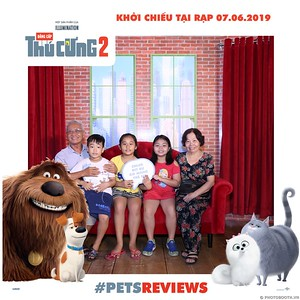 PETS-Reviews-Dang-cap-Thu-cung-Phan-2-instant-print-photo-booth-in-hinh-lay-lien-Su-kien-ra-mat-phim-CGV-VivoCity-WefieBox-Photobooth-Vietnam-748