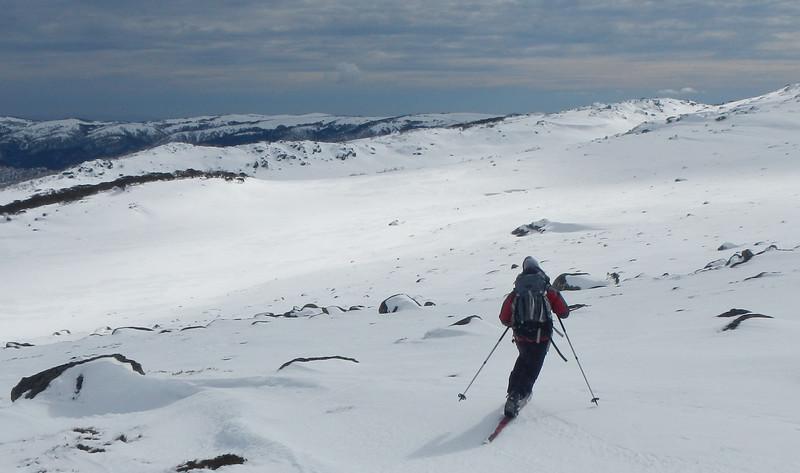 Skiing down from Gungartan Pass