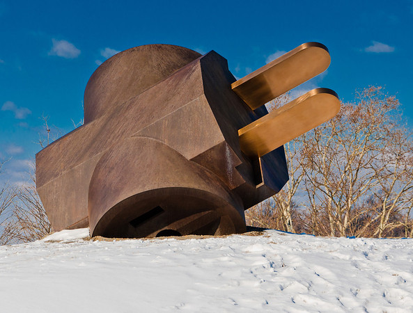 The Giant Three-Way Plug in the snow, Philadelphia Museum of Art, Pennsylvania