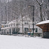 Vally Green Inn  Snow
