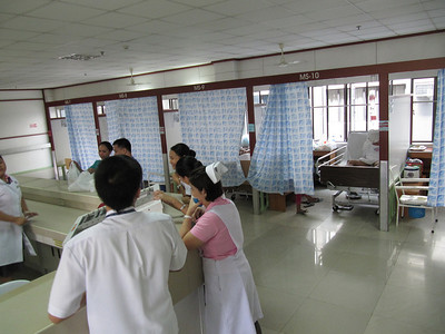 South General Doctor's Hospital surgical ward, right
