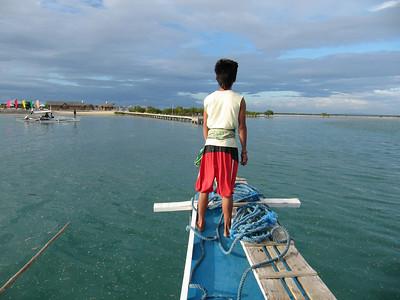 Talibon09 touring boatboy prow