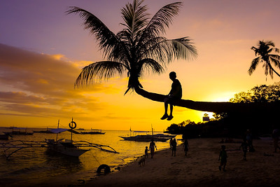 Sunset Boy - Alona Beach, Bohol