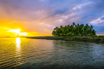 Sunset on Guyam Island, Siargao