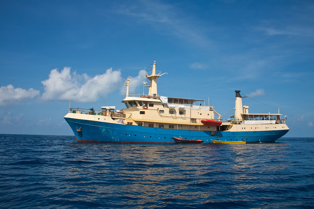 Hans Christian Andersen Philippines LIveaboard with chase boats at the side