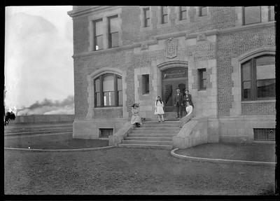 2018.18.FN.024--philip weibler collection 5x7 sheet film neg--CRI&P--company shops office building--Silvis IL--c1910 0000