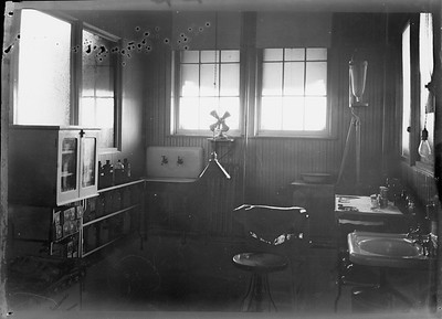 2018.18.FN.026--philip weibler collection 5x7 sheet film neg--CRI&P--company shops infirmary--Silvis IL--c1910 0000