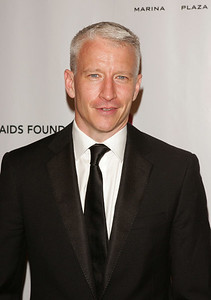 "NEW YORK - SEPTEMBER 25:  Anderson Cooper arrives at ""An Enduring Vision"" Elton John 6th Annual  AIDS Foundation Benefit at The Waldorf Astoria Hotel on September 25, 2007 in New York City.  (Photo by Jim Spellman/WireImage)"
