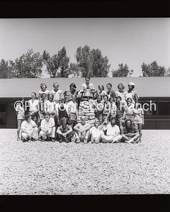 1974_STAFF_FOODSERVICE_04V
