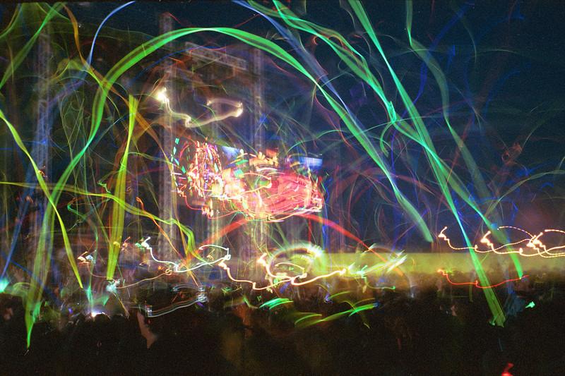 2003_GlowstickWar