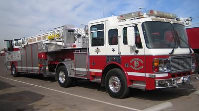 Reserve Ladder 2002 American Lafrance 100ft tiller #231319 (ps)