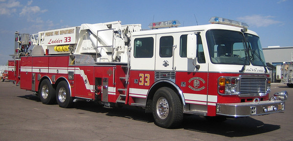 L33 2000 American Lafrance Eagle 93ft mmt #031044 (ps)