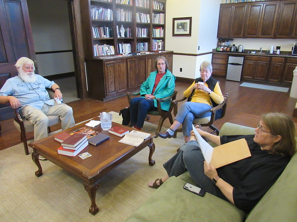 CATHY SPAULDING/Muskogee Phoenix<br /> Serving Our Seniors participants, from left, Phil Lipscomb, Kaia Holder, Jean Lewis and Pam Lipscomb meet Tuesday to discuss disabilities.