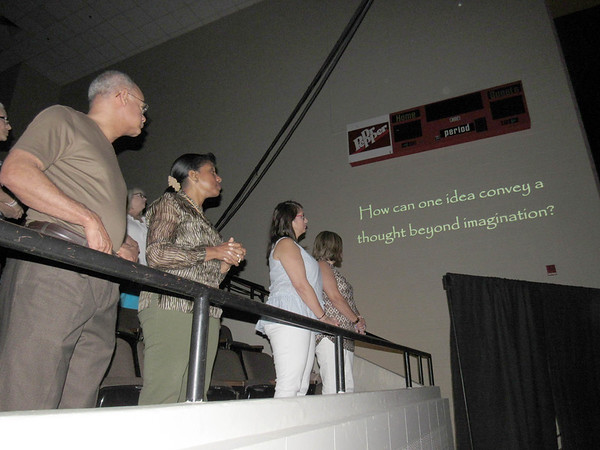 CATHY SPAULDING/Muskogee Phoenix<br /> Attendees at Saturday's Gospel Fest and Oklahoma Music Hall of Fame inductions listen to inspirational music from inductee Dennis Jernigan.