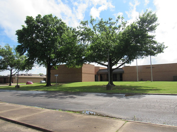 CATHY SPAULDING/Muskogee Phoenix<br /> A circular driveway could be built by early August on the front side of the Fort Gibson School administration building.