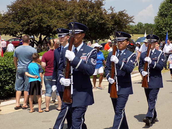 MIKE ELSWICK/ Muskogee Phoenix<br /> Members of the Tinker Air Force Base Honor Guard march in step as they leave Fort Gibson National Cemetery Memorial Day ceremonies.