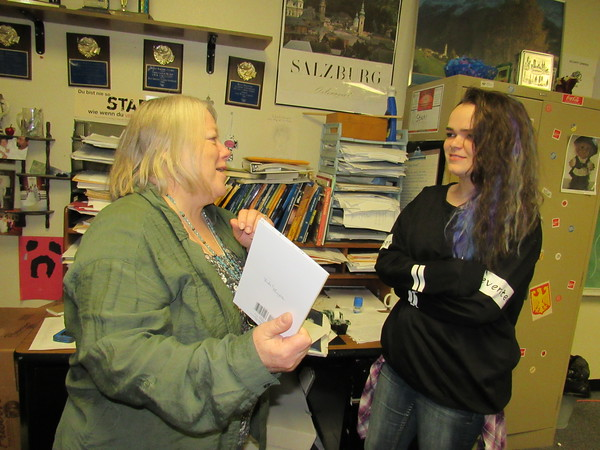 Staff photo by Cathy Spaulding<br /> Eva Galluzzi visits with Laney Edwards, one of her students.