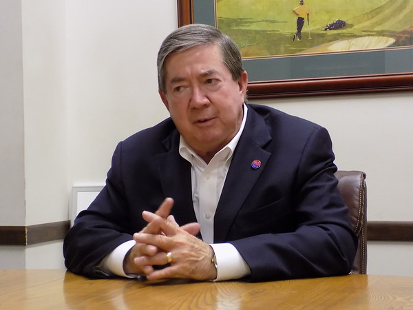 Staff photo by Mike Elswick<br /> Democratic gubernatorial candidate Drew Edmondson is seen during a Muskogee interview Monday.