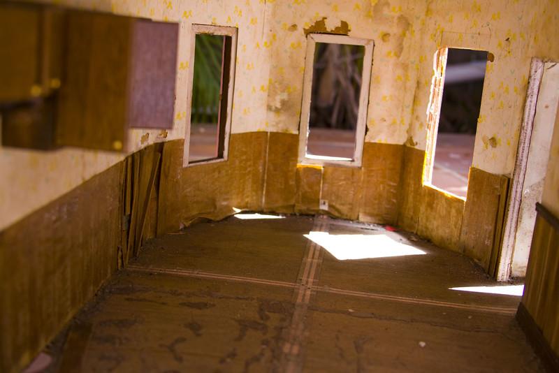 la casa VI, 2009<br /> archival pigment print <br /> 8 x 12 inches (20 x 30 cm)