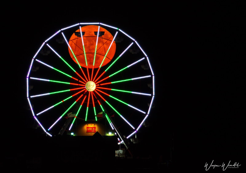 Super Moon in the Ferris Wheel