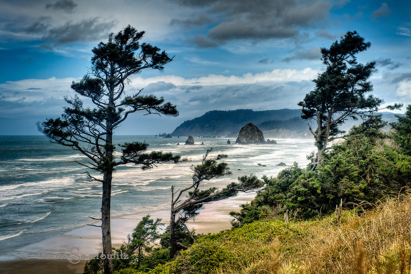 North to Haystack Rock<br /> Cannon Beach, Oregon