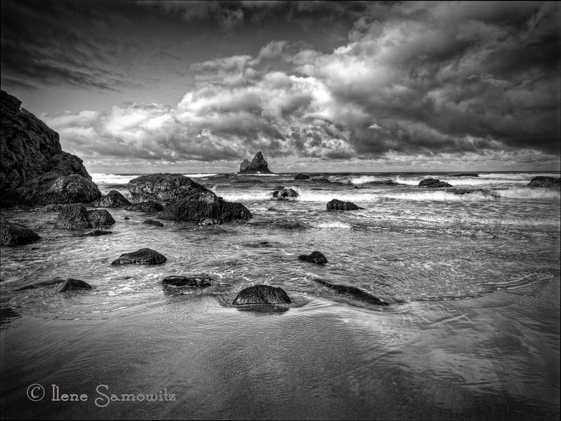 Lone Ranch Drama - More explorations of one of my favorite beaches on the Oregon Coast.  Black and White conversion with Silver Effex Pro 2.  Posted on 5-31-12.