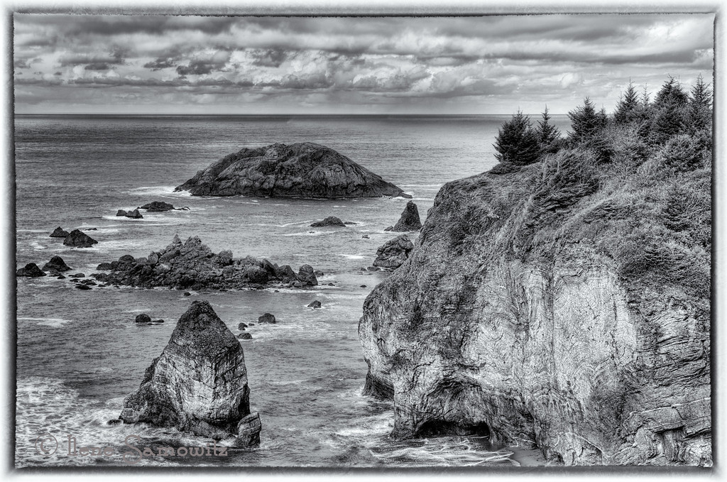 "Posted 6-10-2012<br /> This image was taken at Rainbow Rock overlook just north of Harris Beach State Park, Brookings, Oregon.  I converted the image with Silver Effex Pro 2.  Another stunning part of the southern Oregon Coast.  The color version can be seen at <a href=""http://smu.gs/KltMuE"">http://smu.gs/KltMuE</a>"