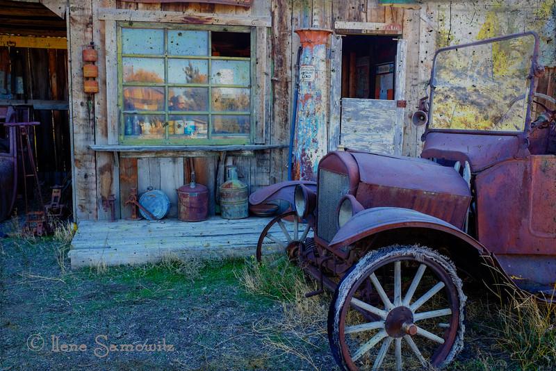 Vintage Life in Bend, Oregon