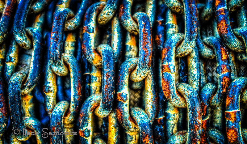 Sea-weathered chain found at Fisherman's Terminal in Seattle, WA.