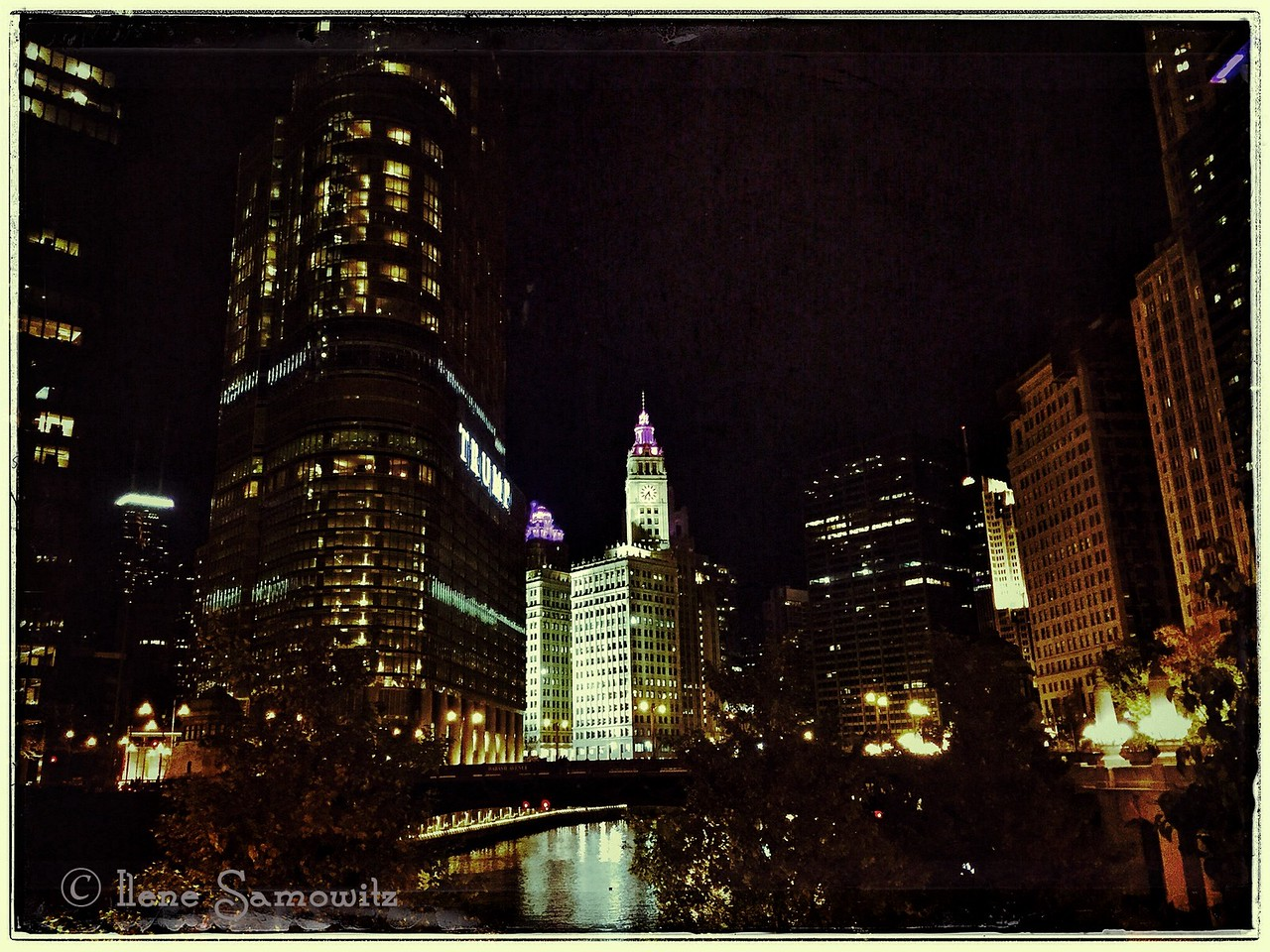 Night time iPhone 6 shot of Chicago