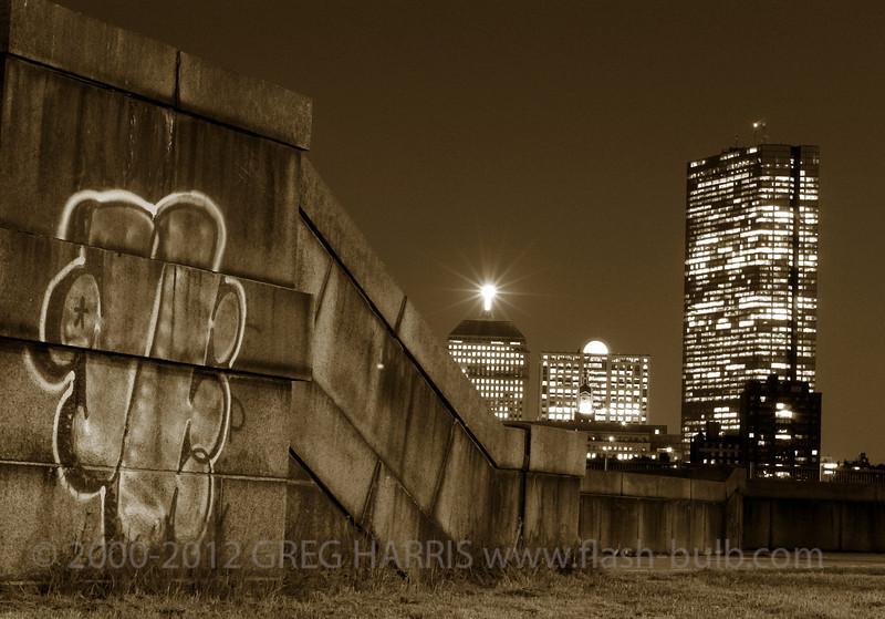 """Boston Skyline""<br /> <br /> Nikon D2H + 50mm f1.4 AFD Nikkor - 18sec @ f11 @ ASA 200<br /> <br /> Cambridge, MA, USA, 05-11-2005"